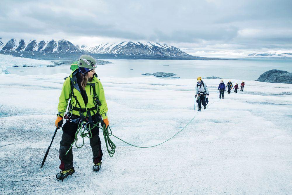 glacier_hiking_spitsbergen_1