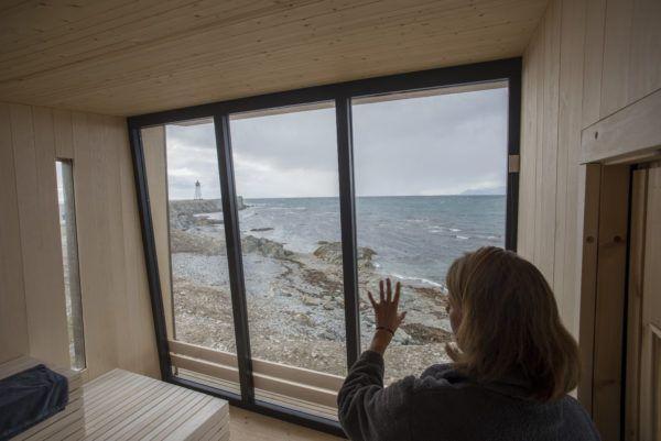 Bilde fra inne i kokeriet, saunaen på Isfjord Radio